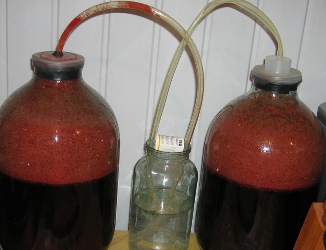 Классический вариант гидрозатвора